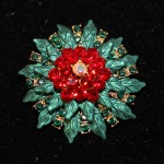 1.5 White center, red, Green leaves round pin