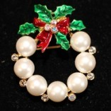 1.25 inch Wreath Pearl, Crystal, Holly, Red Bow, Crystals Pin
