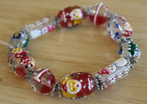 Painted Santas on Beads, Stretch Bracelet