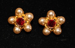 Clip-On-Faux-Pearl-and-Red-Stone-Center-Earrings